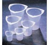 Medegen Medical Tri-Pour Graduated Disposable Beakers, Polypropylene PL5930-1K0 Caps