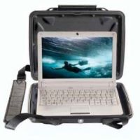 Pelican 1075CC HardBack Case for Netbook Liner and Removeable Strap 1070-003-110