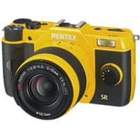 Pentax Q7 Compact Mirrorless Camera with 5-15mm f-2.8-4.5 Zoom Lens