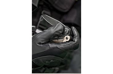 Leatherman MUT Black Oxide/Molle, In Use